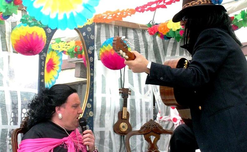 Desfile de las carrozas de los carnavales de Sunbilla  MARíA LIZASO