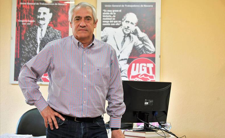 Jesús Santos, la semana pasada en su despacho de la Secretaría General de UGT en la Avenida de Zaragoza.