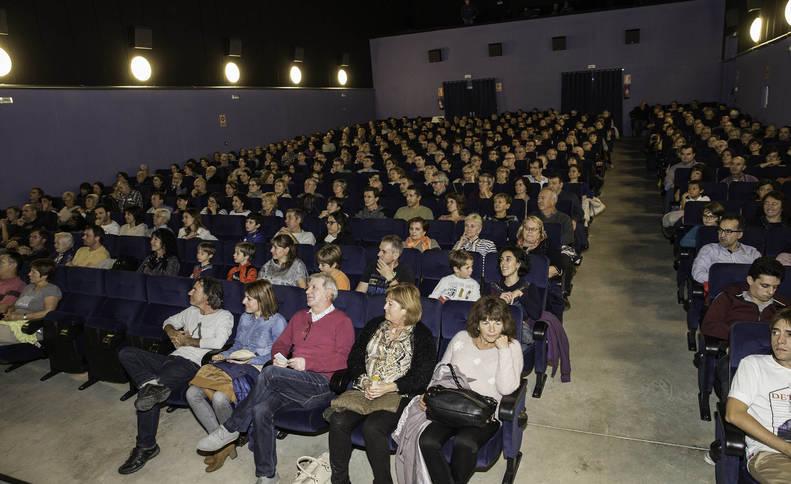 El cine Moncayo, lleno para la proyección de 'El viaje de Unai', de Andoni Canela.