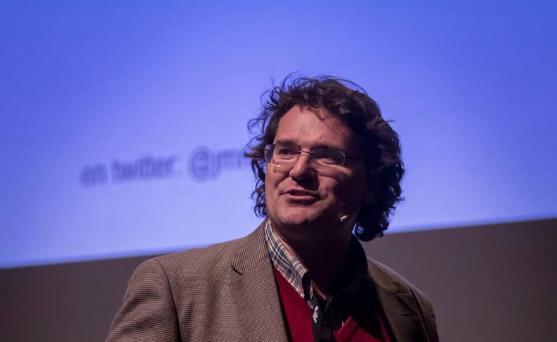 Imagen de José Miguel Mulet, durante su intervención ayer en el ciclo Pamplona Negra en el Baluarte.