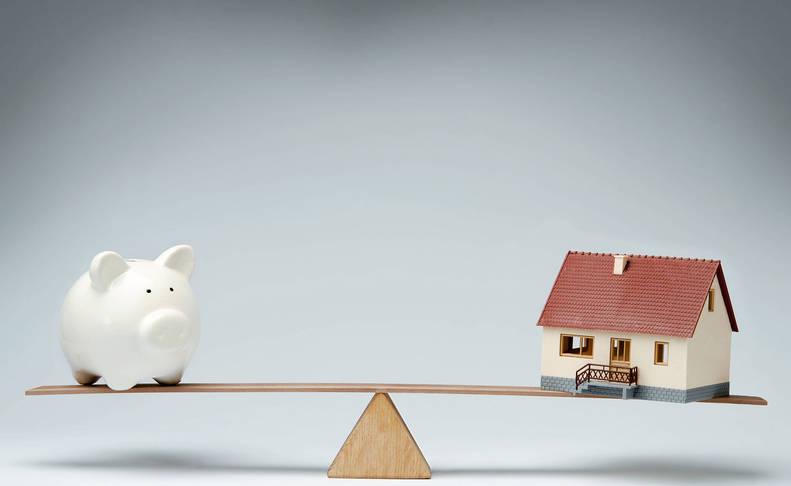 La carga de las hipotecas para las familias españolas es cada vez menor.