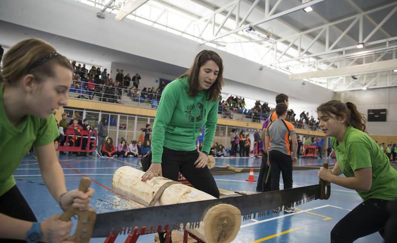 Imágenes del reportaje sobre Deporte Rural de los Juegos Deportivos celebrados en Berriozar