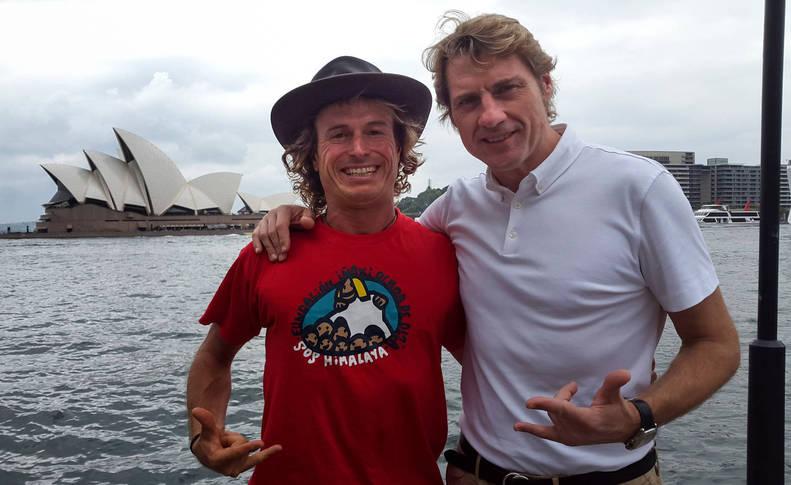 Iñaki Aizpun y Julian Iantzi en una de sus visitas a Sídney tras las jornadas de grabación de 'Contigo al fin del mundo'.