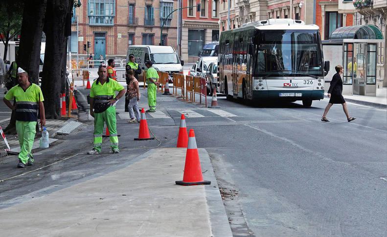 Imagen de uno de los cambios más notables, que se producirá en el tramo de Navas de Tolosa comprendido entre el Parlamento y el hotel Tres Reyes que será exclusivo para villavesas y bicis.