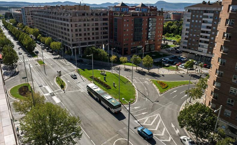 Imagen de un tramo de la avenida Pío XII de Pamplona, sobre la que convergen en este momento distintos proyectos de remodelación vial.