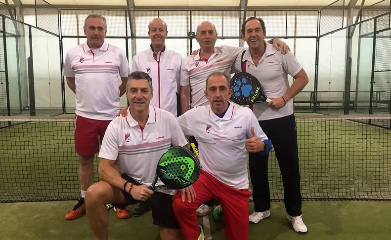 Integrantes del Club Tenis Pamplona.