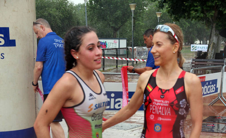 Galería de fotografías de la XVIII edición de la triatlón Reto del Ebro