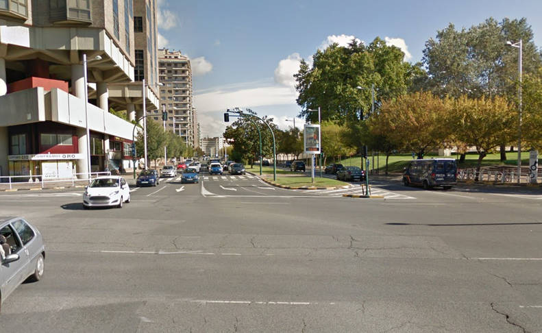 El Ayuntamiento estudiará construir una rotonda en Pío XII y la avenida del Ejército