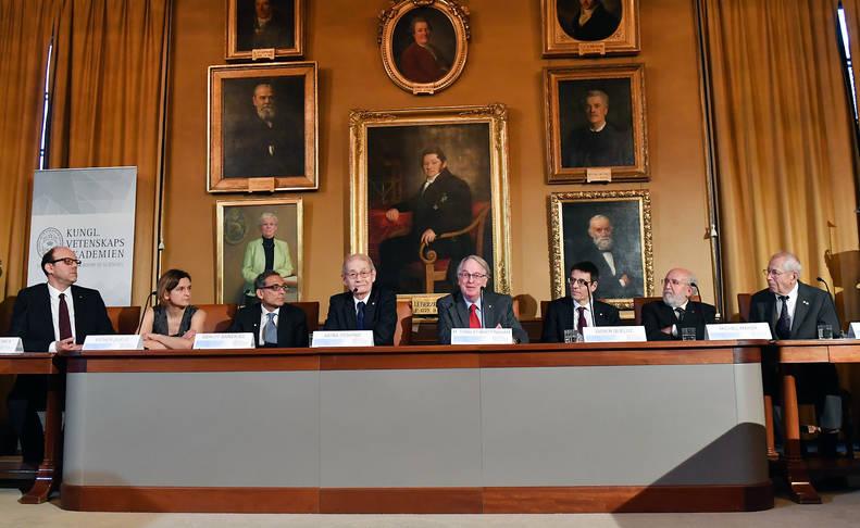 Los ganadores de los premios Nobel de 2019, en la rueda de prensa conjunta que ofrecieron este sábado.