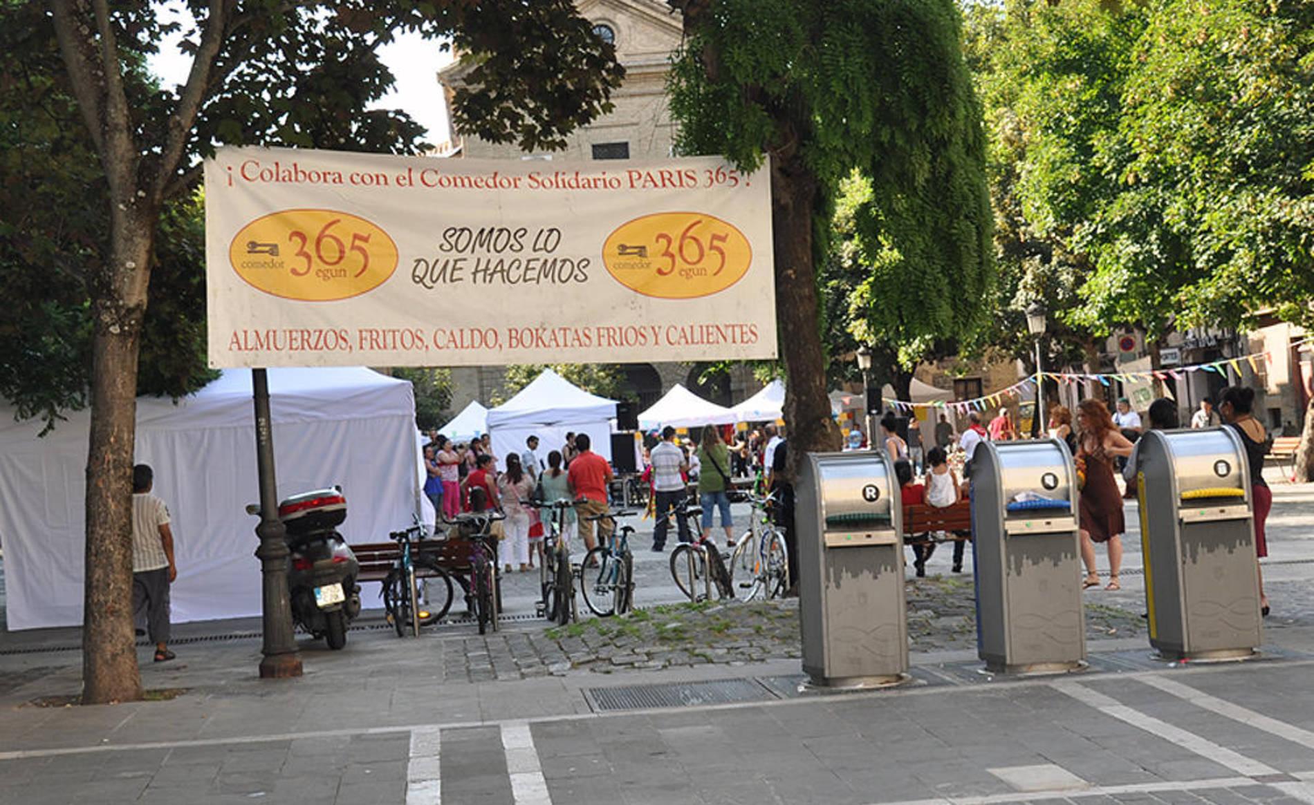 Galer a fiesta solidaria par s 365 diario de navarra - Comedor solidario paris 365 ...