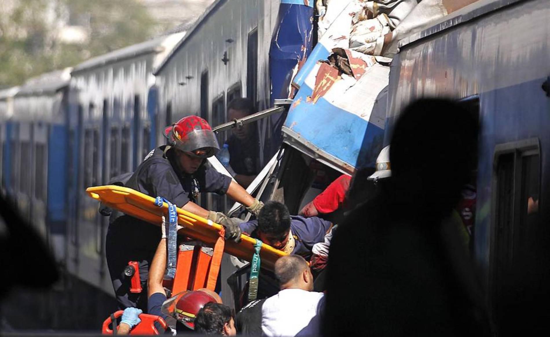 Accidente de tren en Buenos Aires (1/32) - Imágenes tomadas tras al accidente ferroviario de Buenos Aires de este miércoles 22 de febrero - Internacional -