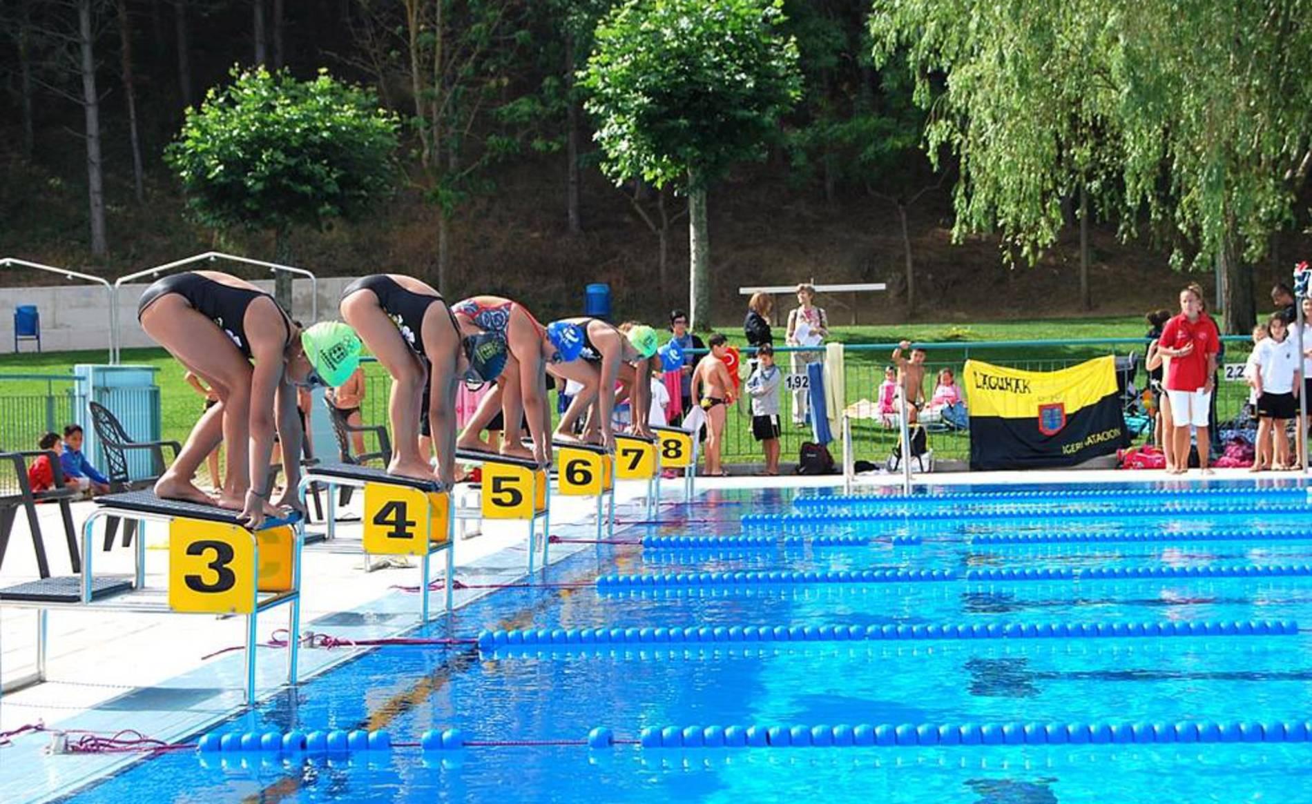 Galer a click deportes al agua nadadores diario de for Piscinas amaya