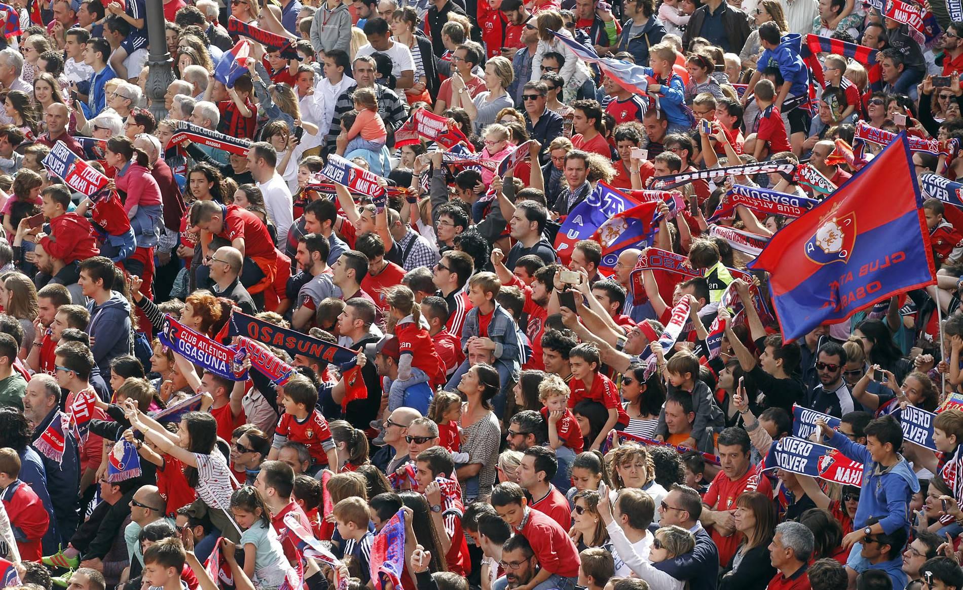 Recepción a Osasuna en el Palacio de Navarra (1/125) - Las autoridades recibieron al club rojillo tras el ascenso a Primera División - Osasuna -
