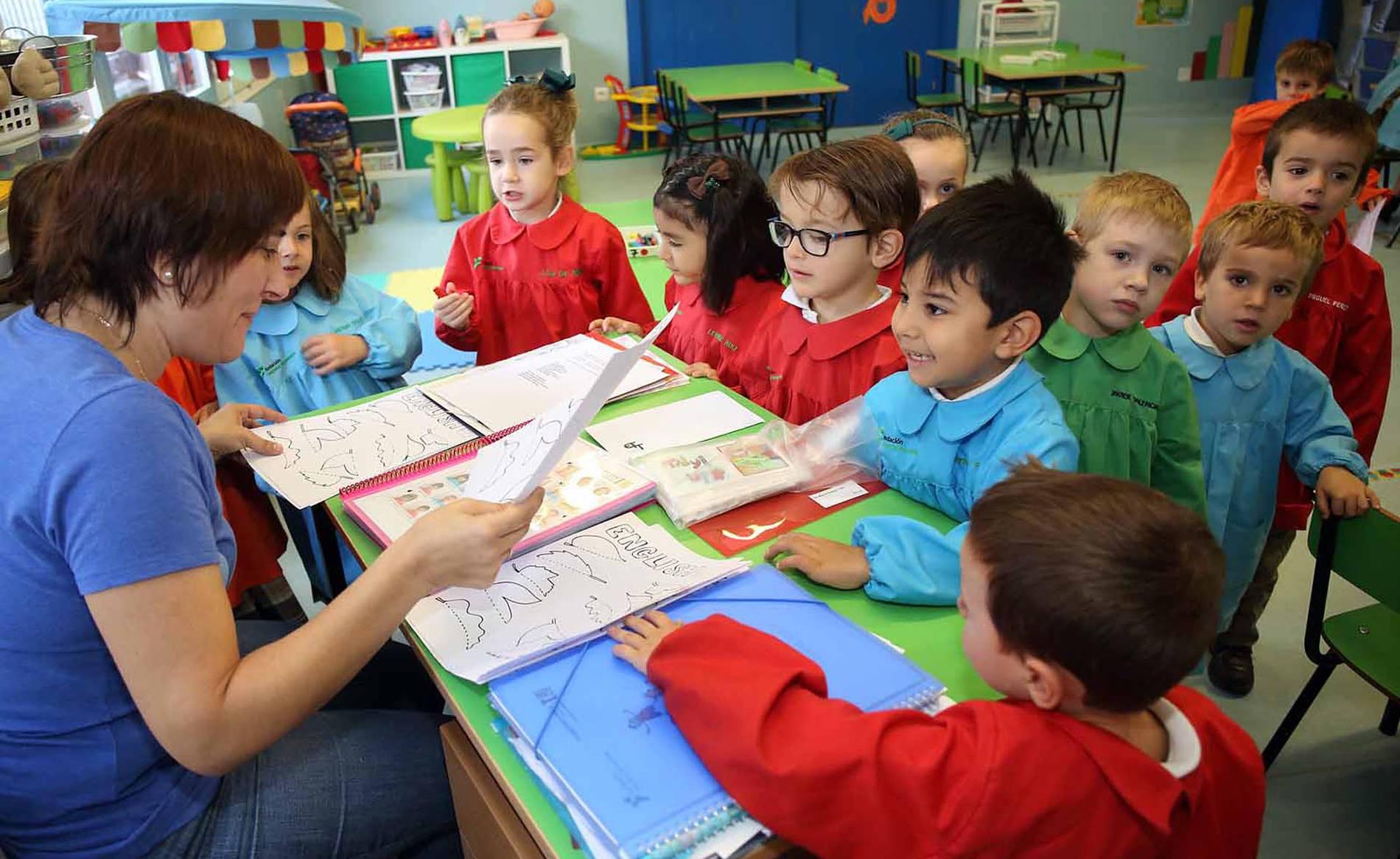 Colegio Santa Teresa (1/34) - Alumnado del colegio Santa Teresa - Navarra -