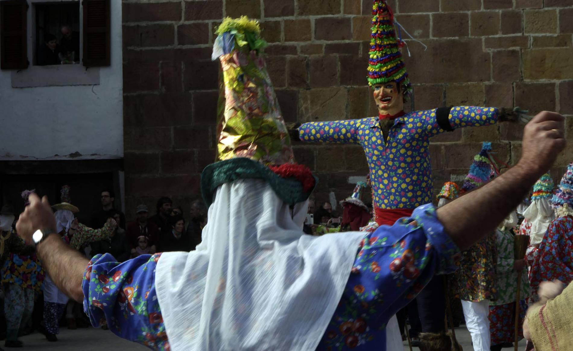 Carnaval de Lantz (1/51) - Fotografías de la captura de Miel Otxin y la ceremonia de Ziripot. - Zona norte -