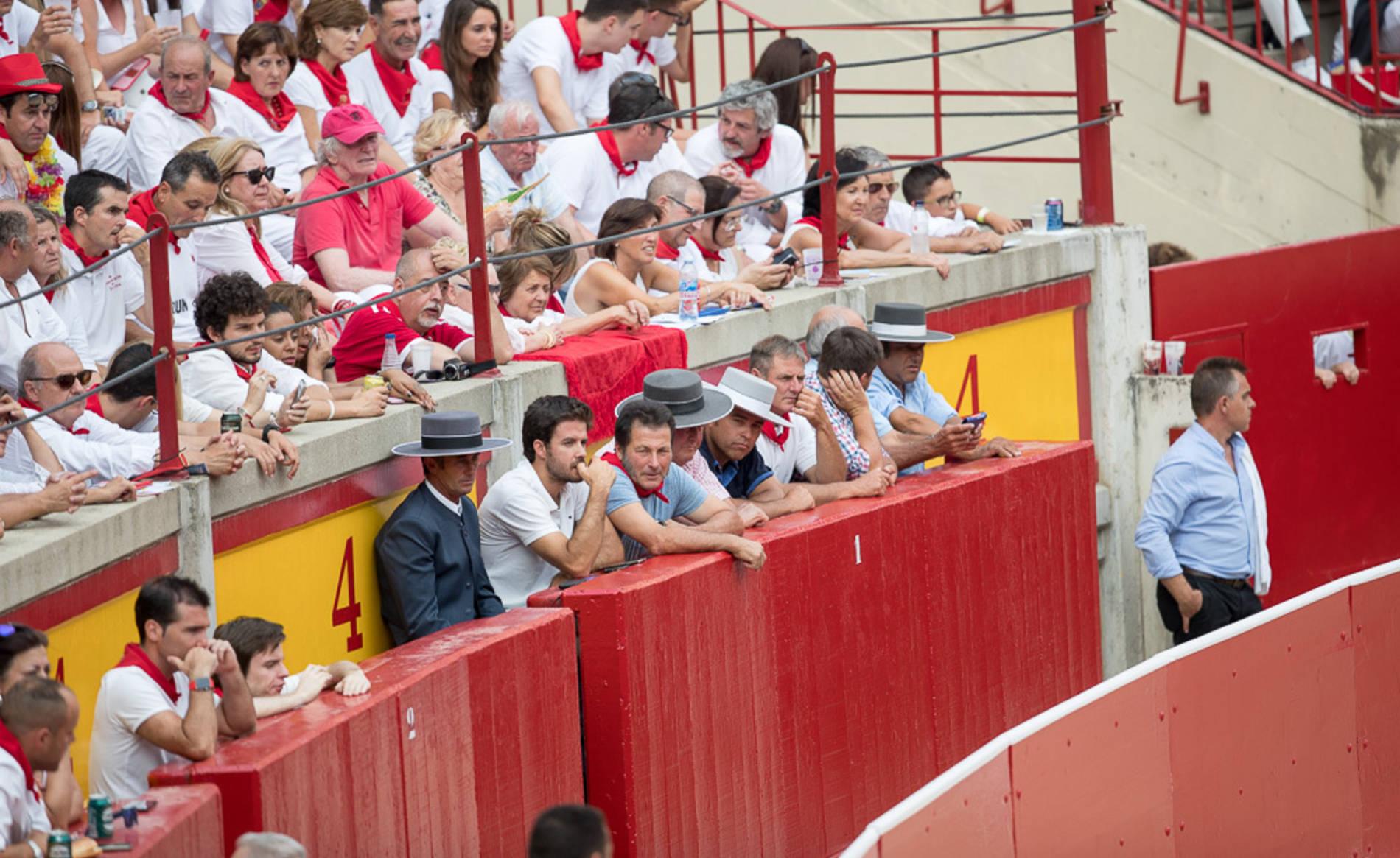 Búscate en el tendido de la corrida del día 7 (1/228) - Ambiente en la plaza de toros en la primera corrida de los Sanfermines 2017. - Destacados -