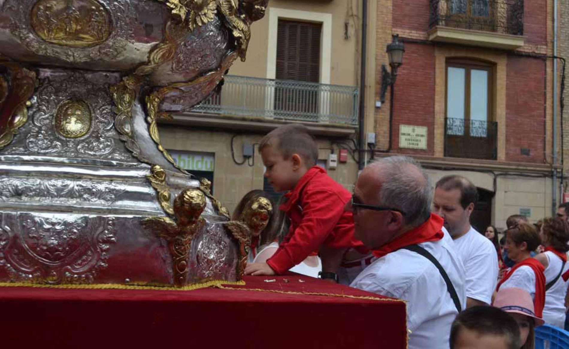 Imágenes de la ofrenda infantil a San Fermín (1/51) - Imágenes de la ofrenda de los niños a San Fermín - San Fermín -