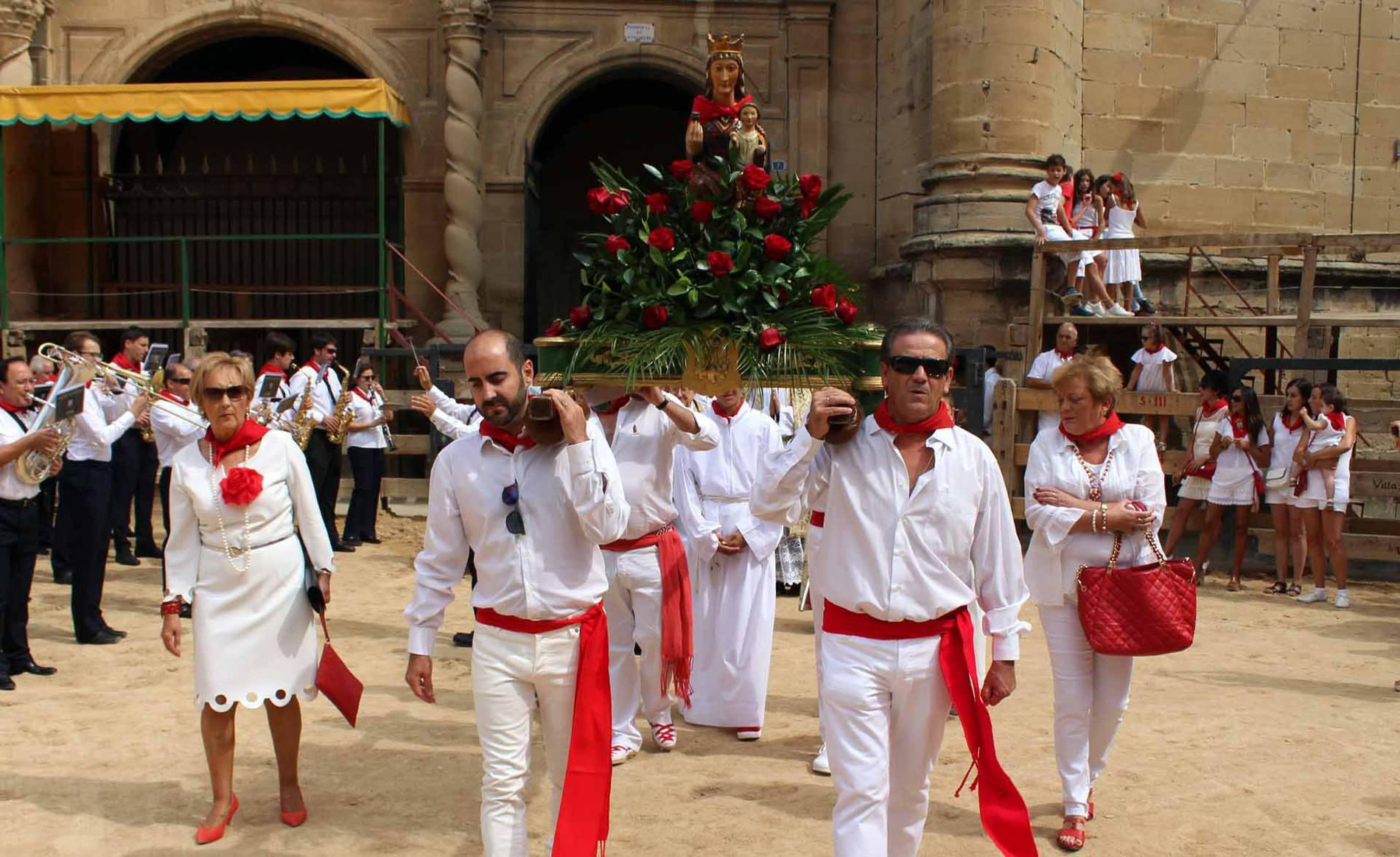 Segundo día de las fiestas de Lerín (1/7) - Imágenes de la procesión de la Virgen de la Asunción y la Banda de Música. - Tierra Estella -