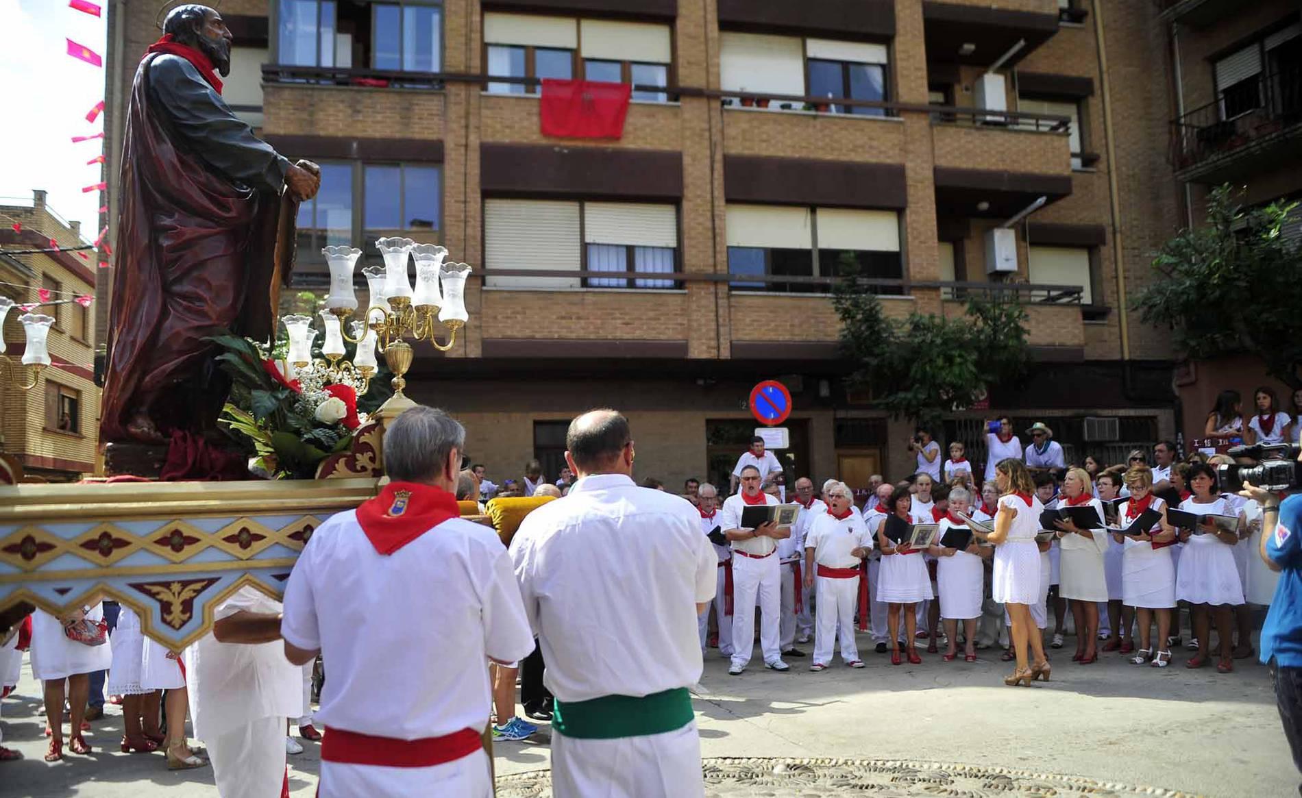 Día grande de las fiestas de Marcilla (1/20) - Imágenes de la procesión en honor a San Bartolomé en Marcilla. - Tafalla y Zona Media -