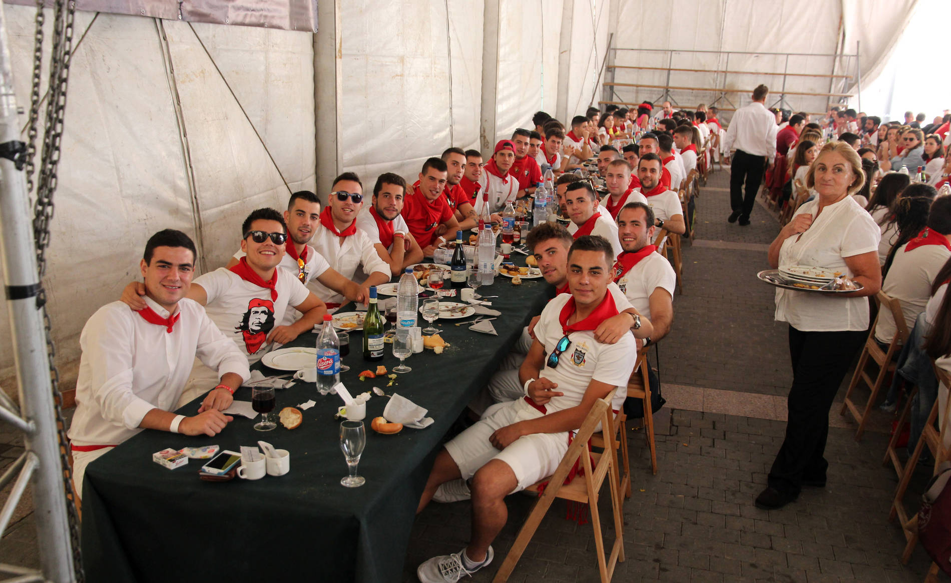 Comida del Día de las Peñas en Corella (1/6) - Comida del Día de las Peñas en fiestas de Corella 2017 - Tudela y Ribera -