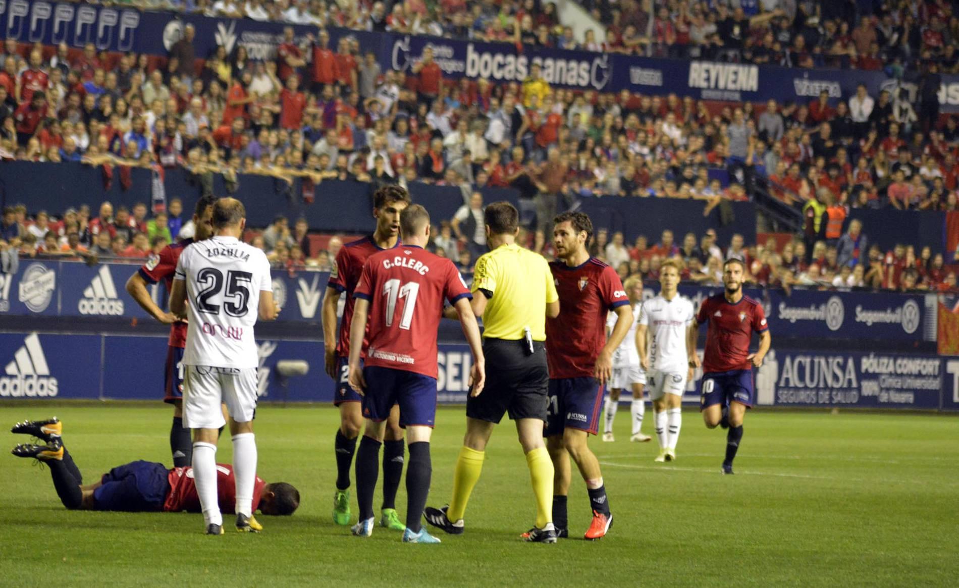 El Osasuna se mantiene líder en el regreso de Enrique Martín al Sadar.