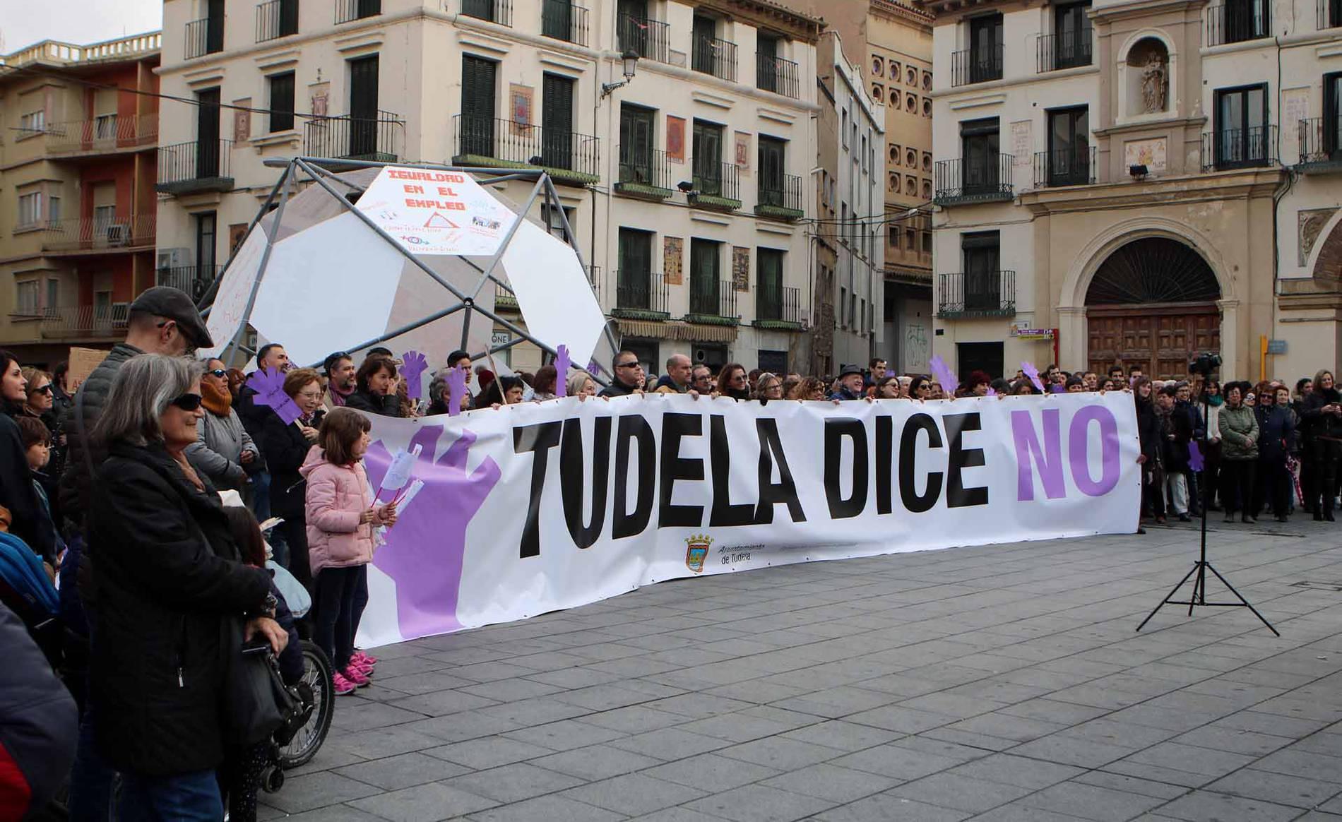 La Ribera se manifiesta contra la violencia de género (1/5) - Varias localidades de la Ribera navarra se sumaron al 25N-Día Internacional por la Eliminación de la Violencia contra las Mujeres - Tudela y Ribera -