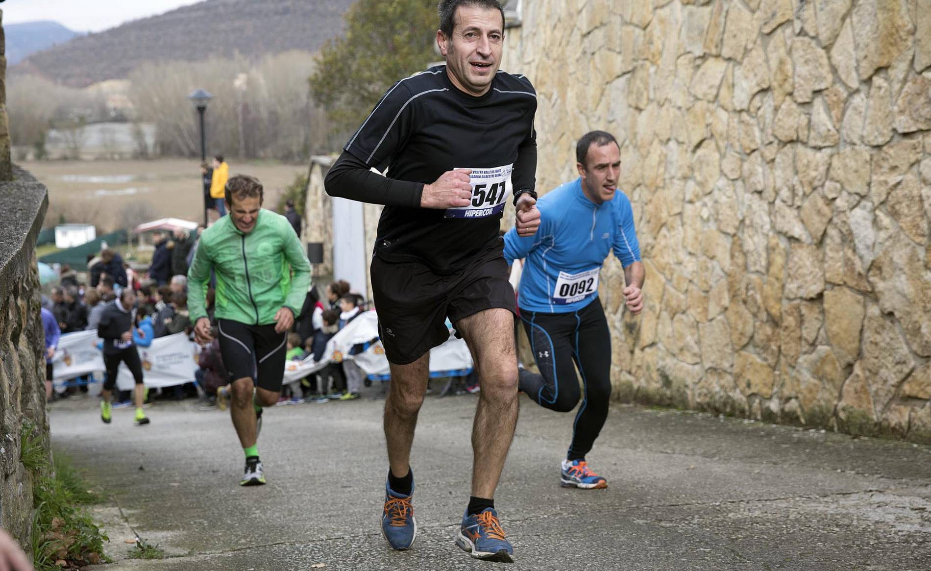 XVIII San Silvestre Valle de Egüés (1/118) - Mustapha Charki y Ana Casares se han impuesto en la carrera disputada en Olaz. - Carreras populares DNRunning -