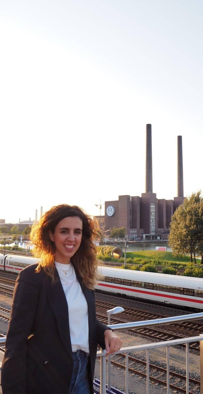 Ainara Martínez de Irujo, una navarra ingeniera industrial mecánica en Wolfsburg