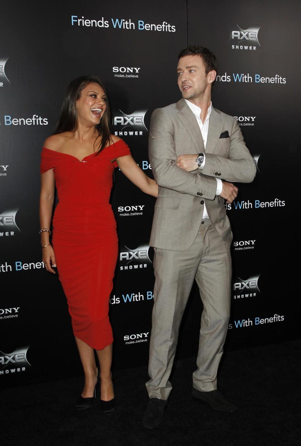éXtasis News: Justin Timberlake y Mila Kunis se manosean
