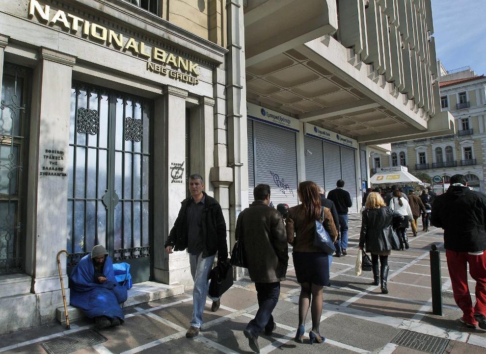Las entidades espa olas se juegan 383 millones con la for Oficina de turismo de grecia