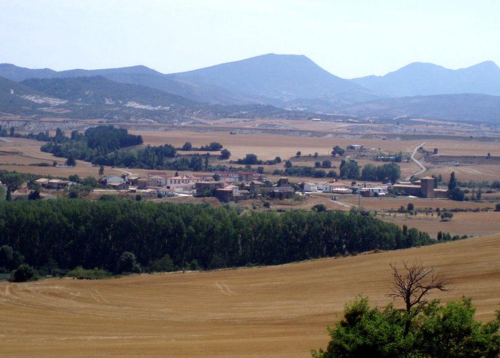 Vista general de Artieda tomada desde la localidad de Grez. . ARCHIVO/A.V.