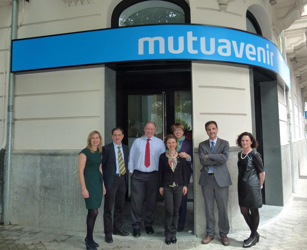 Mutuavenir seguros abre una nueva oficina en pamplona for Oficina turismo pamplona