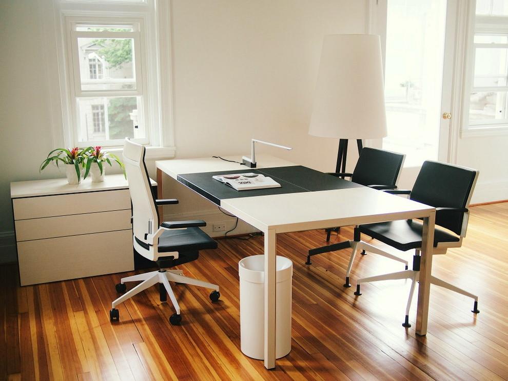 El mobiliario de dise o espa ol se reivindica en ee uu for Muebles de oficina la plata calle 57