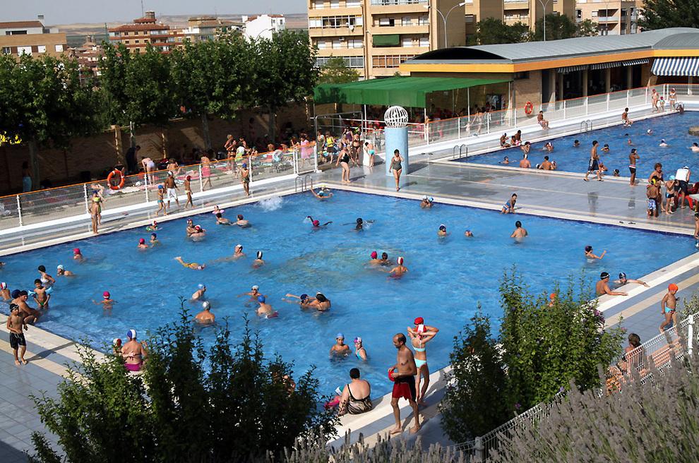 un hombre de 85 a os muri ahogado en las piscinas de