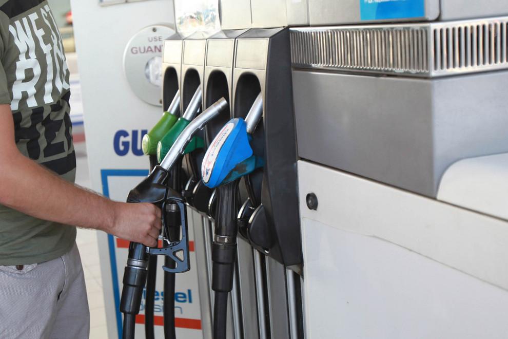 La sustitución del cinturón del generador el Ford mondeo 2 1.8 gasolina