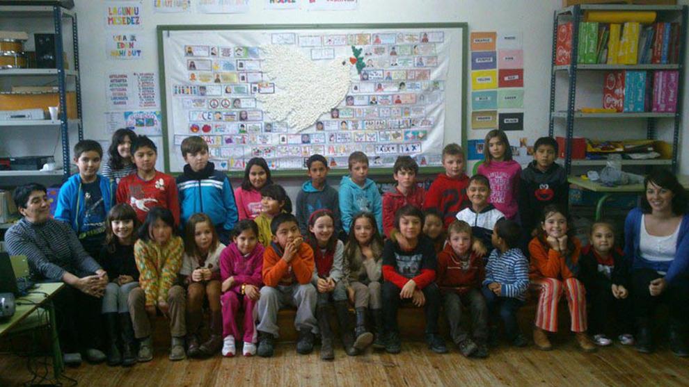 Alumnos del colegio público San Fausto de Ancín en una de las aulas del centro.