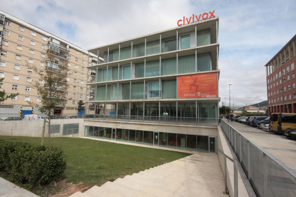 Cursos municipales civivox ofrece 255 cursos talleres y for Pisos en san jorge pamplona