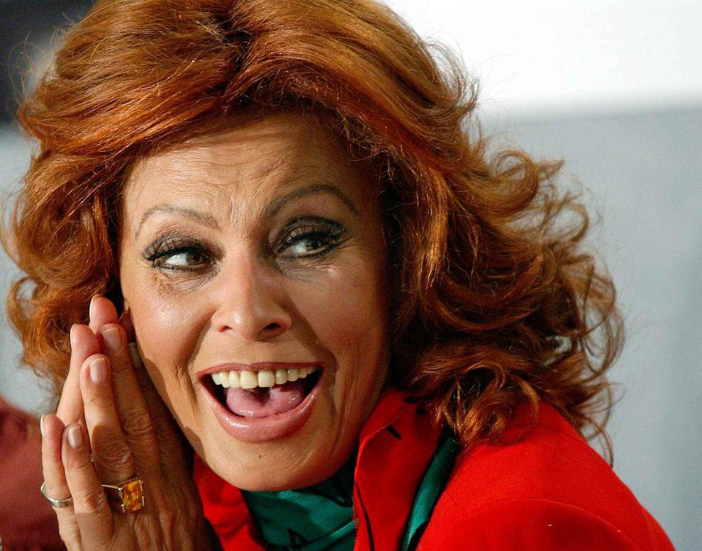 Las memorias de sophia loren revelan a una mujer llana - Diva futura su sky ...