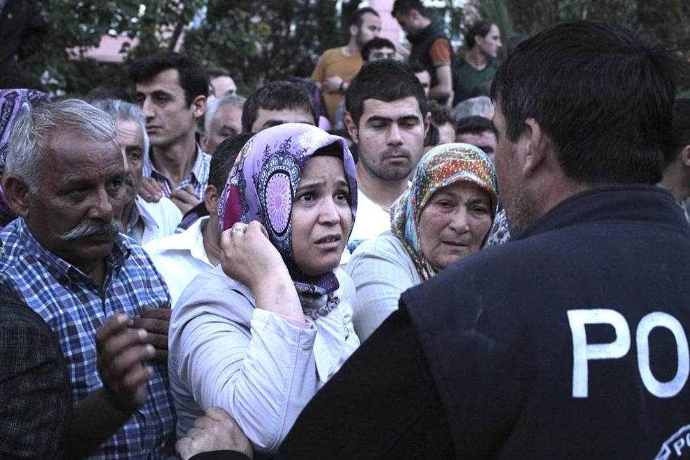 Tragedia en una mina de carbón de Turquía (1/63) - Al menos 157 personas murieron en una explosión registrada en una mina de cabrón de la localidad turca de Manisa. - Internacional -