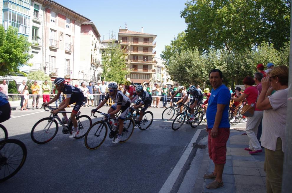 Paso de la Vuelta a España por Estella (1/7) - Paso de la Vuelta a España por Estella - Ciclismo -