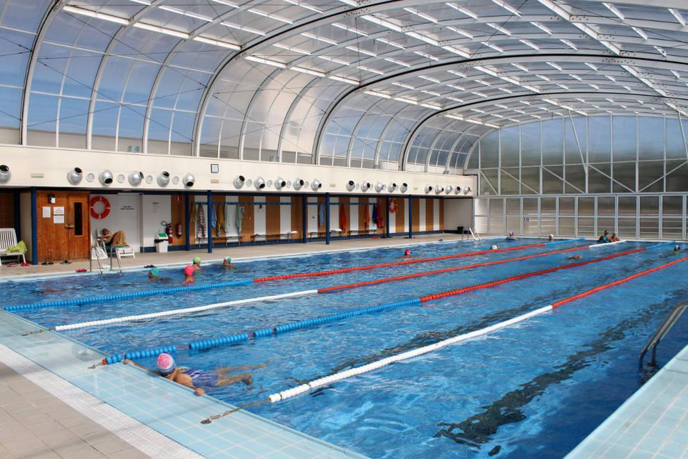 la piscina climatizada podr a cerrarse el d a 15 de