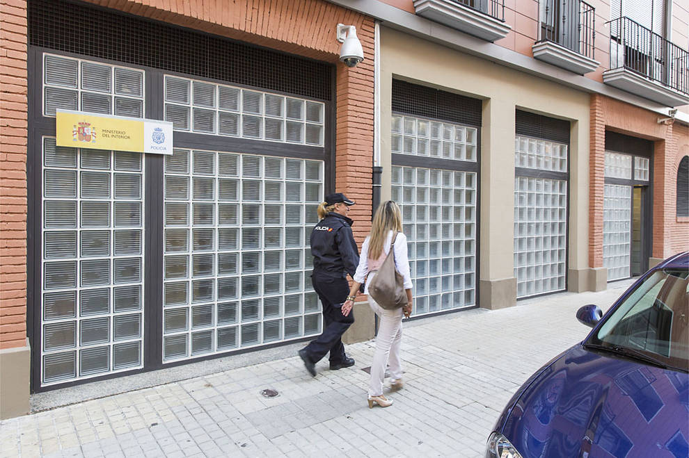 La oficina del dni en la calle pascual madoz abrir este for Oficina turismo tudela