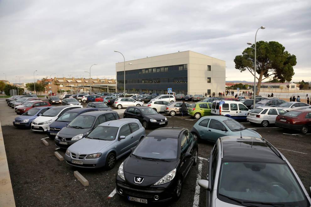Resultado de imagen de aparcamiento coches