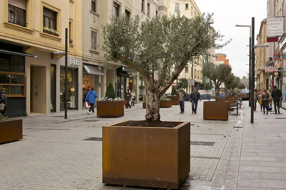 Jardineras ornamentales de gran tama o para la calle - Imagenes de jardineras ...