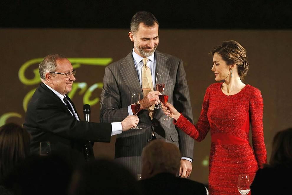 Broche de oro al centenario de Freixenet (1/10) - Los reyes Felipe y Letizia, durante la visita a las bodegas de Freixenet - Sociedad -