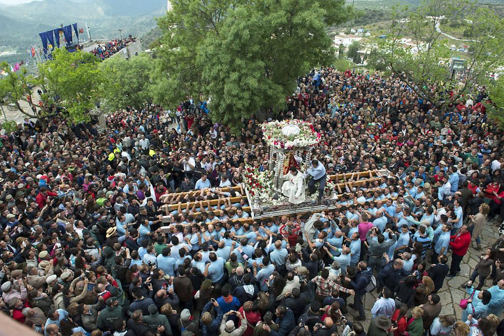Miles de romeros no fallan a su cita con la Virgen de la Cabeza ... f0bbfe4ea88