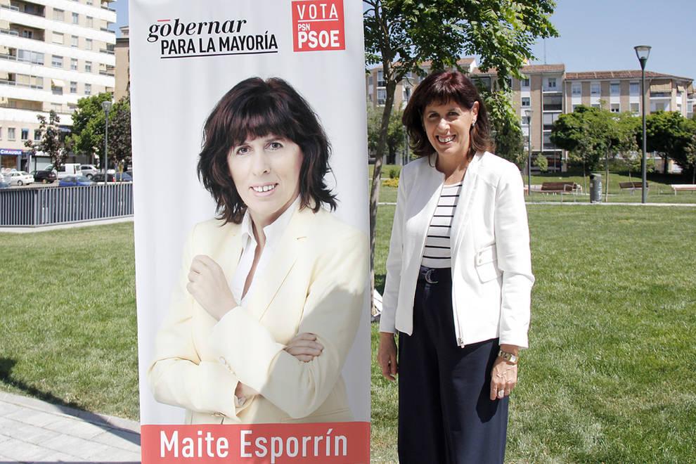 Acto de campaña de Maite Esporrín (PSN) (1/3) - Encuentro con vecinos. Plaza Manuel Turrillas, Azpilagaña. - Navarra -