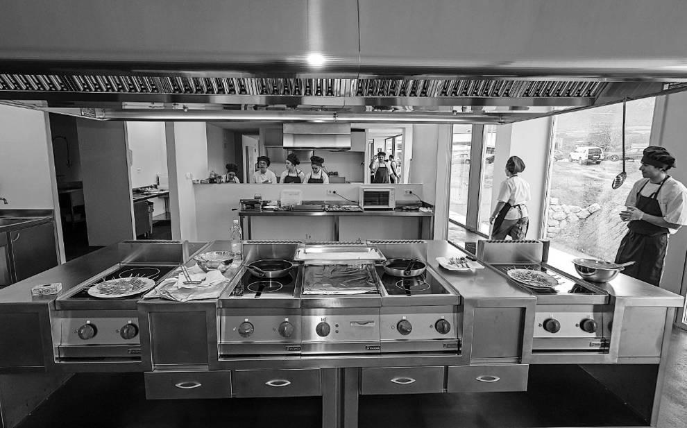 Estella la fp de cocina completa plazas con la cesi n de - Fp de cocina ...