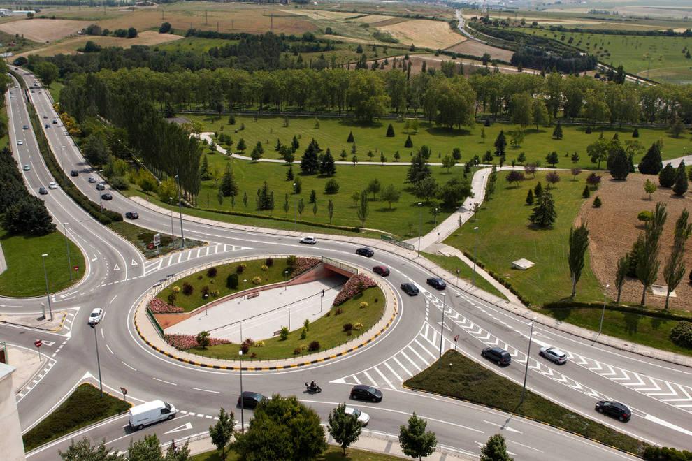 Tráfico - La Policía Municipal de Pamplona justifica la existencia ...