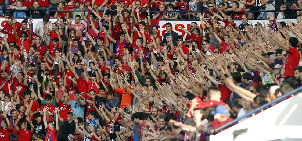 Aficionados de Osasuna en El Sadar.